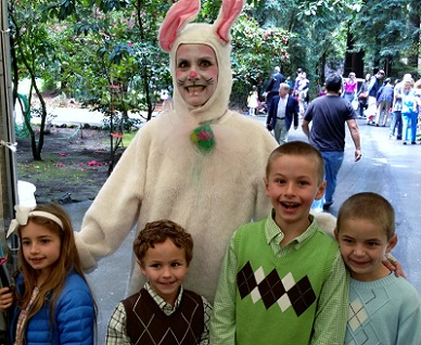 Denise the Easter Bunny, with kids